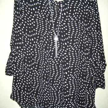 blouse noire imprimée petits losanges