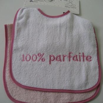 """bavoir brodé """"100% parfait(e)"""" - lot de 2"""