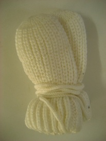 moufles tricot blanc pour bébé