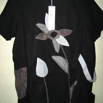 blouse courtes manches avec poches avec des fleurs brodées pour dame en coton 52/56 EN PROMO