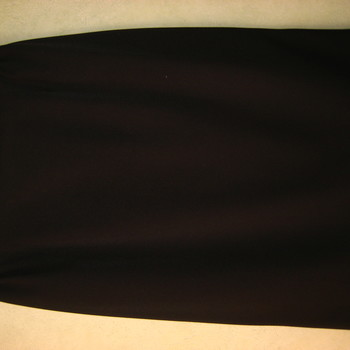 jupe droite doublée avec élastique à la taille + 1 bouton derrière - taille 42/44 : prune