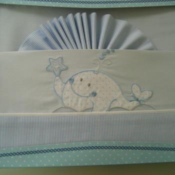 parure de drap plat + drap housse + 1 taie brodés pour lit-cage - baleine bleu