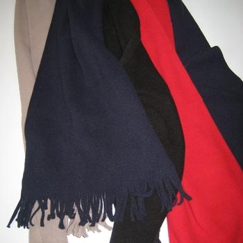 écharpe polaire avec franges - reste noir et marine