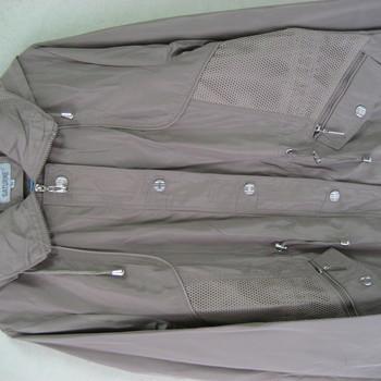 veste classique pour dame dans un tissu léger beige
