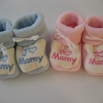 "chaussons brodés ""j'aime mamy"""