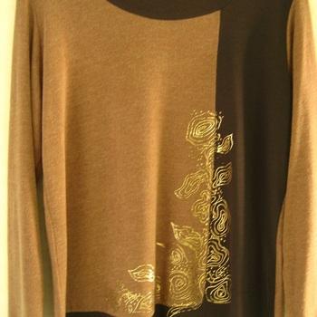 pull tricot Nanas de Paris dessin doré en ocre - reste 42/44 en PROMO