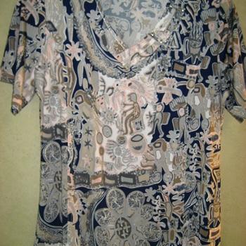 blouse courtes manches fluide imprimée pour dame - motif avec du rose 42/44