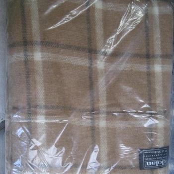 couverture ou grand plaid à carreaux pour lit d'1 personne - beige