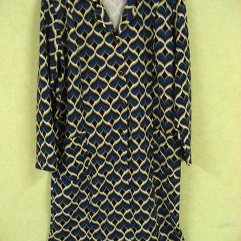 robe longues manches classique avec poches pour dame EN PROMO - reste 54-58 en différents motifs