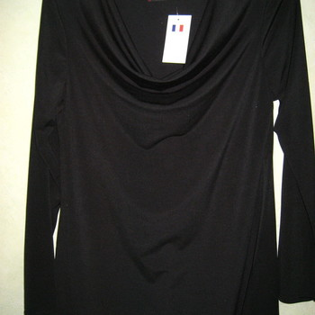 blouse col bénitier noir avec épaulettes pour dame