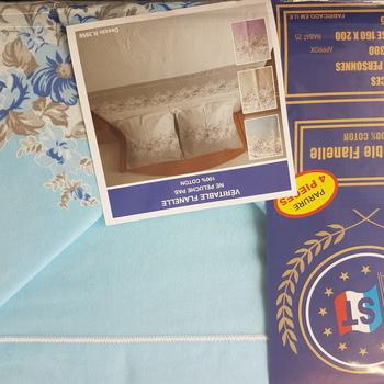 drap plat + drap housse + 2 taies pour lit de 2 personnes - flanelle -bleu fleurs moyennes