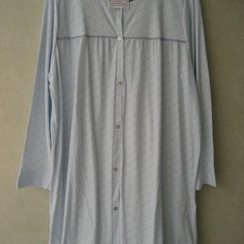 robe de nuit lm boutonnée coton jersey pour dame - rose ou ciel - qualité belge