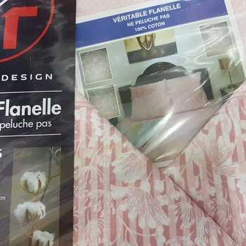 drap plat + drap housse + 2 taies pour lit de 2 personnes - flanelle -beige fleurs moyennes==