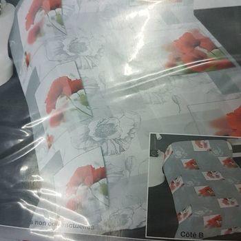 couette imprimée double face 1.40*2m pour lit d'1 personne - fleurs rouges