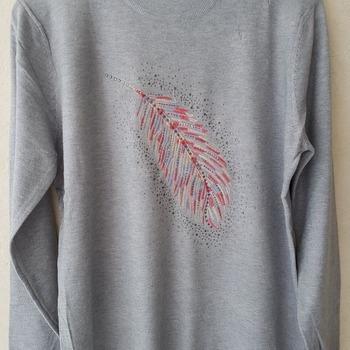 pull tricot ras du cou pour dame - plume - gris