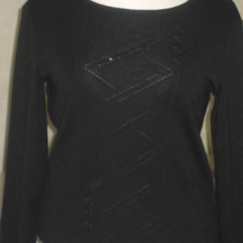 pull noir pour dame - belle qualité 44/48 en PROMO