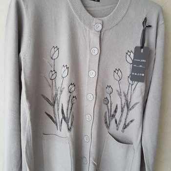 gilet boutonné avec poches pour dame - tulipes gris 46/48