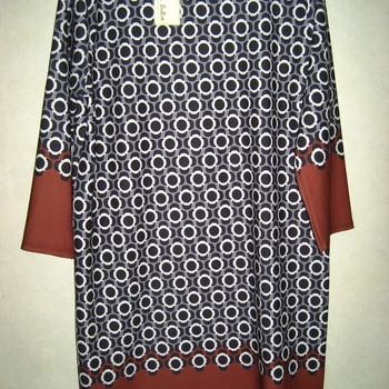 robe pour dame - ronds gris en PROMO 44/48