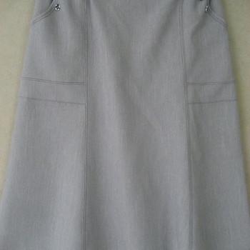jupe godée avec 2 boutons aux poches pour dame - gris clair 46/48 50/52