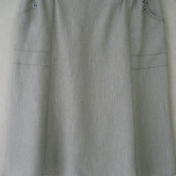 jupe godée avec 2 boutons aux poches pour dame - tilleul 42/46