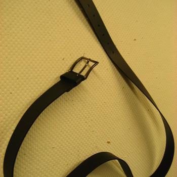 ceinture gros cuir pour homme en marron ou noir