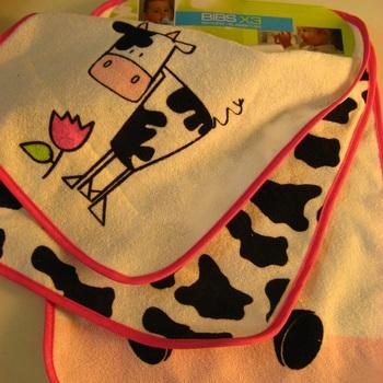 bavoirs passe-tête éponge dos plastifié vache liseraie rose : 3 pour 4€