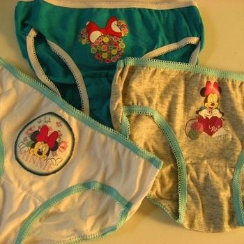 culottes Minnie 100% coton pour les filles 4/5 ans - 3 pour 3.35€